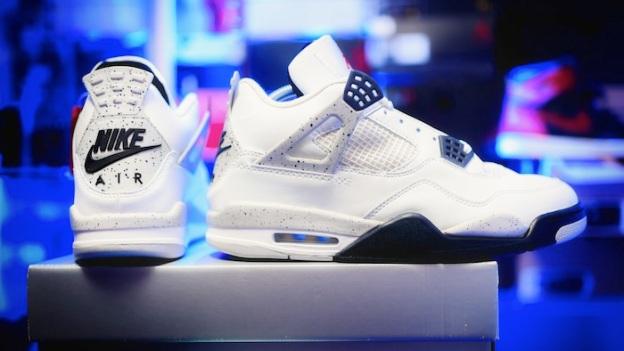 Nike-Air-Jordan-4-White-Cement-2016.jpg